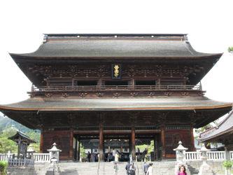 IMG 0079 w400 h250 【旅行】ついにあの有名な善光寺に行く。そして万座温泉日進舘へ。