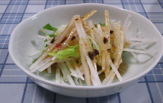IMG 0201 【食べ物】「大根の千切り」と「レタス」と「水菜」のサラダがシンプルだけど美味しい!