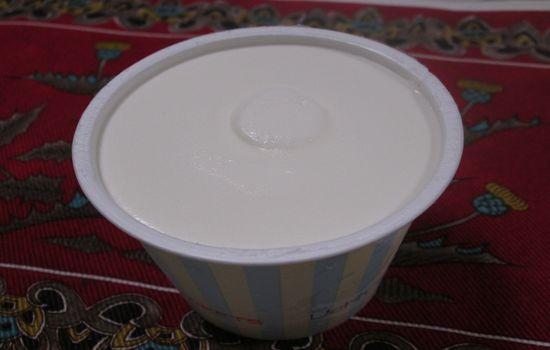IMG 0270 【食べ物】これは今月最高のヒットデザート!!ローソンの「ぎゅっとミルク」が超絶美味しすぎる件!!