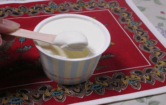 IMG 0271 【食べ物】これは今月最高のヒットデザート!!ローソンの「ぎゅっとミルク」が超絶美味しすぎる件!!