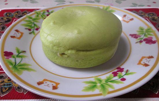 IMG 0353 【食べ物】これぞ本当のメロンパン!?ローソンの「冷やして食べるしっとりメロンパン」を食べてみました!