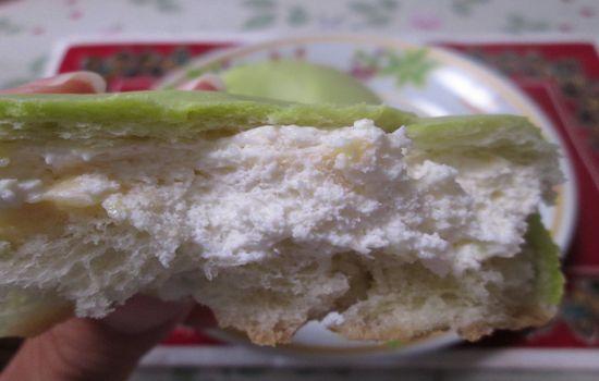 IMG 0356 【食べ物】これぞ本当のメロンパン!?ローソンの「冷やして食べるしっとりメロンパン」を食べてみました!