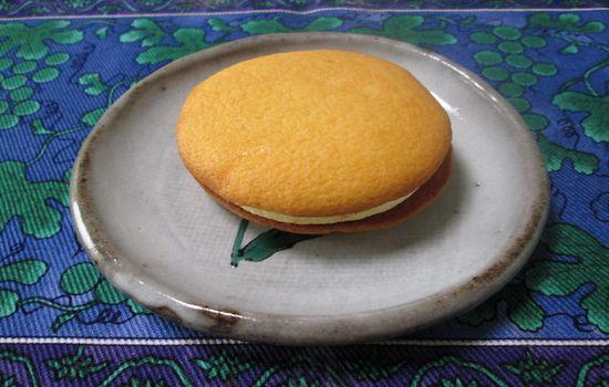 IMG 0444 【食べ物】2013年7月から8月までの期間限定!「リラックマサンドケーキプリン味」を食べてみましたよ!