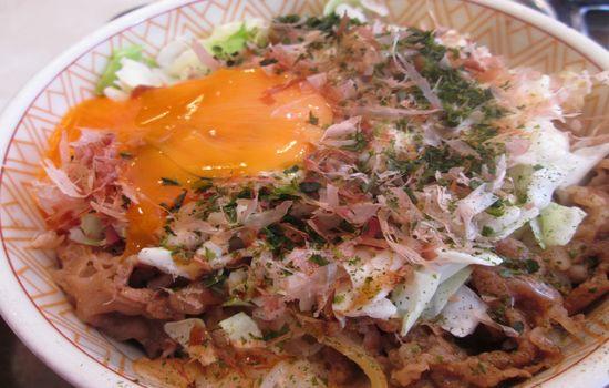 IMG 0463 【食べ物】変わり種だけど以外にアリ?すき家の「お好み牛玉丼」を食べて来ました!