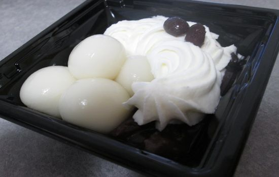 IMG 0605 【食べ物】クリームが美味しい!セブン新商品の白玉ぜんざいを食べてみました