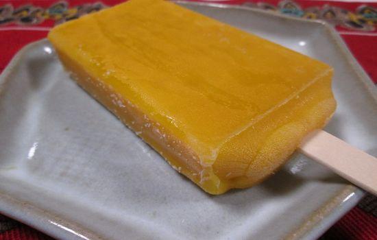 IMG 0645 【食べ物】本物のマンゴー?セブン イレブン限定「まるでマンゴーを冷凍したような食感のアイスバー」の感想