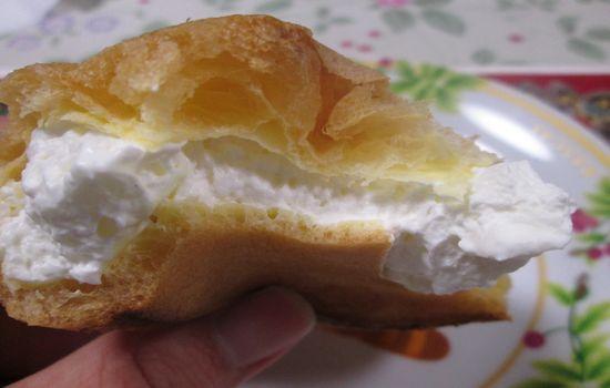 IMG 0661 【食べ物】高カロリー高評価!ローソンの「大きなツインシュー」を食べた感想です