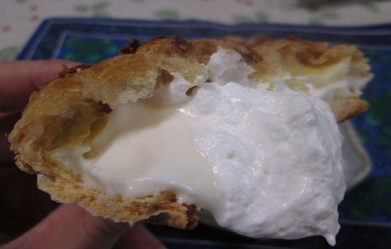IMG 0726 【食べ物】ローソンの「パイシューミルクカスタード&ホイップ 」がヤバイ美味さです!!