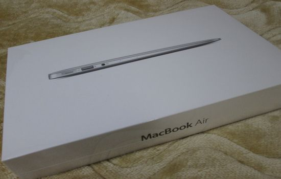 IMG 1087 【Mac】MacBookAirを購入!付属品の確認と準備【電源ボタンの場所】
