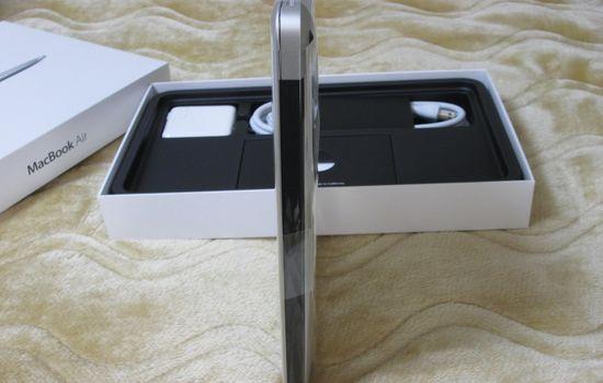 IMG 1092 【Mac】MacBookAirを購入!付属品の確認と準備【電源ボタンの場所】