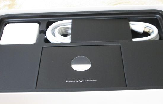 IMG 1093 【Mac】MacBookAirを購入!付属品の確認と準備【電源ボタンの場所】