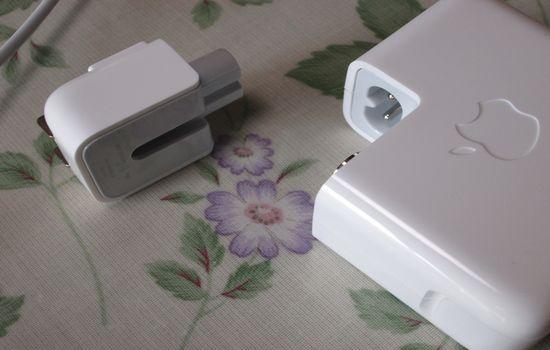 IMG 1097 【Mac】MacBookAirを購入!付属品の確認と準備【電源ボタンの場所】