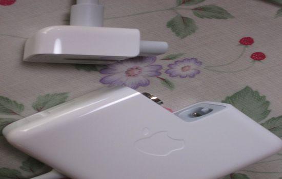 IMG 1098 【Mac】MacBookAirを購入!付属品の確認と準備【電源ボタンの場所】